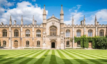 Věhlasné univerzity zelenají. Cambridge se zbavuje investic do uhlí a plynu
