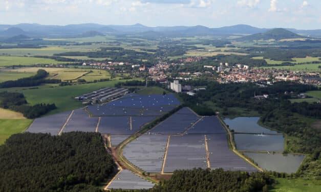 Firmy si už řekly o miliardy na zelené projekty. V příštích 10 letech mohou dostat až čtvrt bilionu