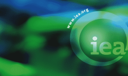 IEA: Investice do energetiky sílí, na splnění klimatických cílů to nestačí